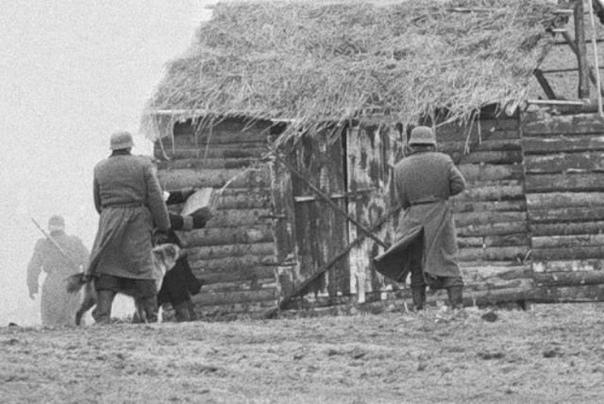 ТРАГЕДИЯ ХАТЫНИ 77 лет назад, 22 марта 1943 года, карательный отряд уничтожил деревню Хатынь. 149 жителей были расстреляны или сгорели заживо. Хатынь стала символом массового уничтожения мирного