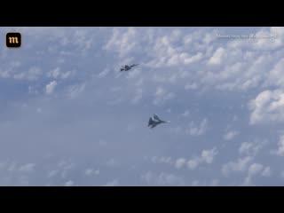 F-18 приблизился к самолету сергея шойгу