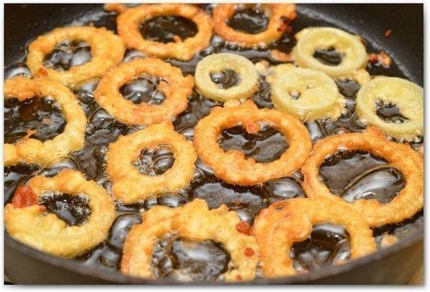 Луковые кольца в кляре. Любимая закуска!)