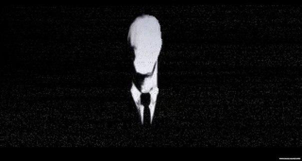 Слендер Слендер. Сейчас это слово не внушает нам никакого страха, а в памяти всплывают картинки огромного подобия человека без лица, в пиджаке и красном галстуке. В реальности Слендер выглядит