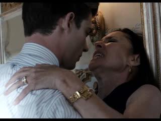Юноша трахает и кончает в рот жене своего босса (проглотила сперму, отсосала молодому, ебет старую)