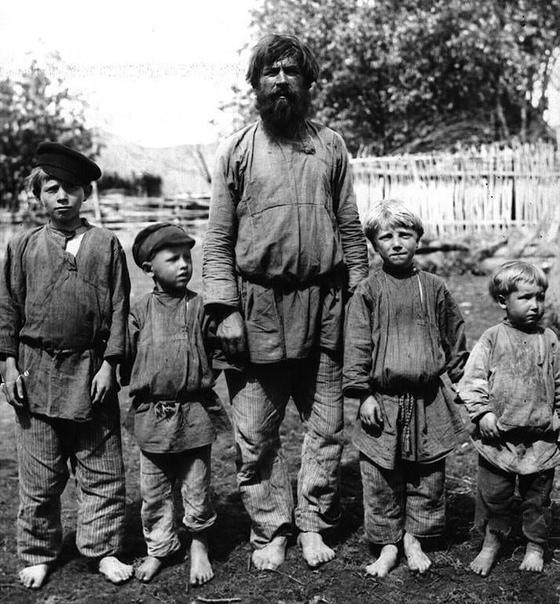 Крестьянин с сыновьями, начало XX века