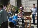 Курсанты танцуют dnb step под Pendulu...(оркестр) (360p).mp4