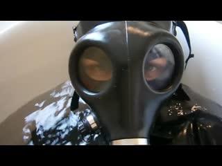 Gas_mask_girl_water