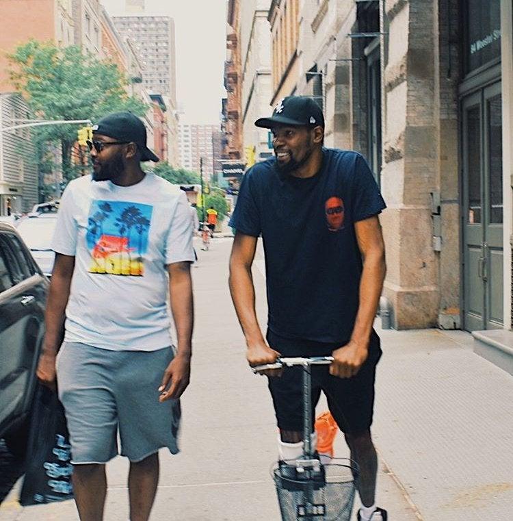 Кевина Дюрэнта сфотографировали на улице в Нью-Йорке
