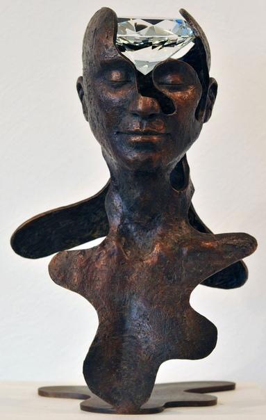 Английская художница и скульптор Сукхи Барбер (Suhi Barber