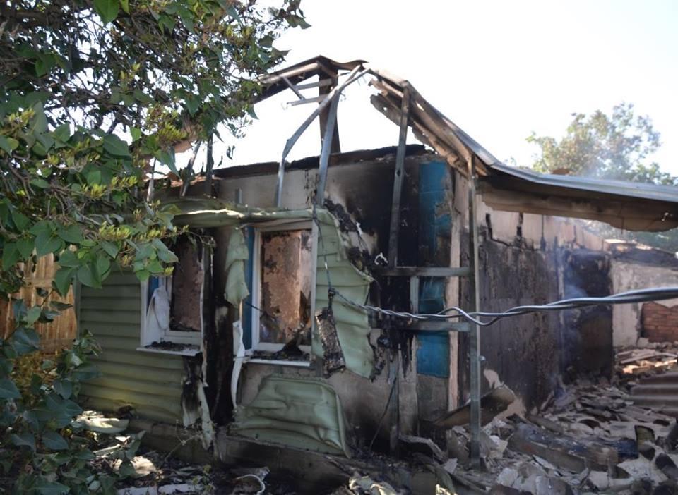 «Два дома разбиты полностью», — жители о страшном обстреле Зайцево (видео)