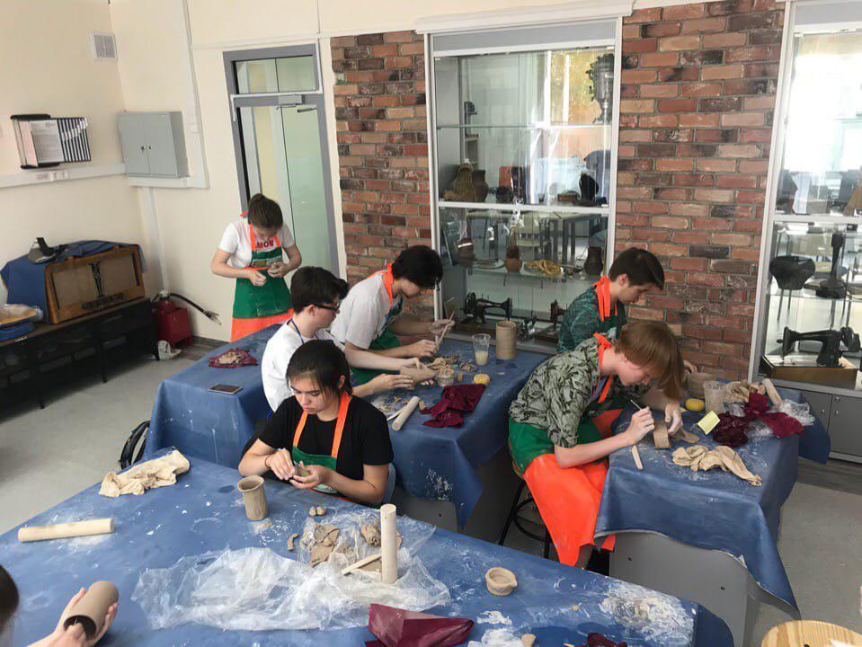 Учащиеся школы на Липчанского прошли обучение в летней инженерной школе