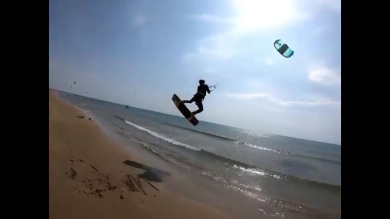 5 The reverse side of the kite sport Kite crash