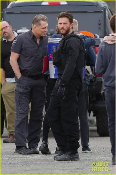 Скотт Иствуд и Джейсон Стэйтем на съемках «Инкассатора» от Гая Ричи