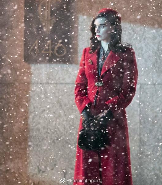 Кейт Бланшетт и Руни Мара на новых фото со съёмок фильма Гильермо дель Торо «Аллея кошмаров»