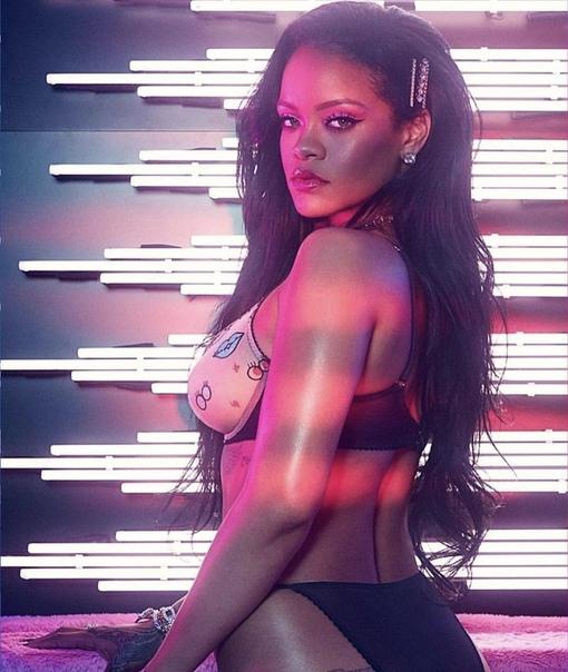 Промо-фото к бренду нижнего белья Рианны «Savage х Fenty»