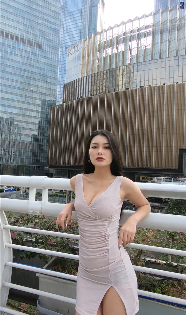 魔镜街拍御姐艾薇ivy高跟原版视频【4V】