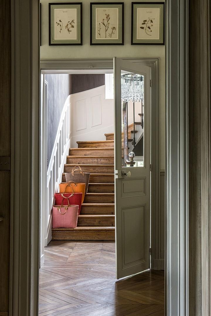 Винтажный интерьер дома со стеклянной верандой в Париже  || 02
