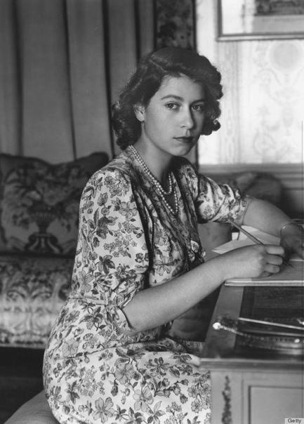 Королева Елизавета II, 1944 год