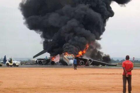 Оккупанты обстреляли украинских летчиков: сразу два самолета сбиты, кадры с места событий