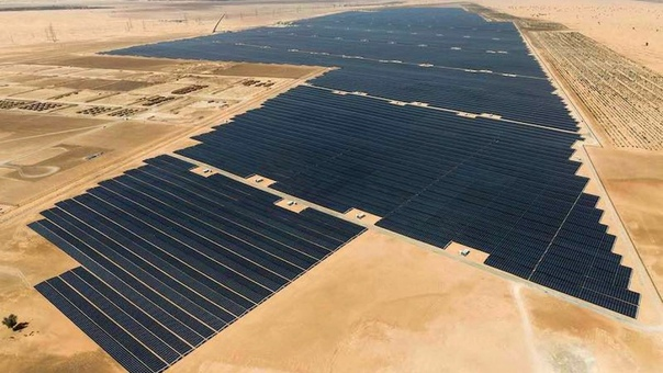 В ОАЭ заработала крупнейшая в мире солнечная электростанция Абу-Даби (ОАЭ) претендует на титул обладателя крупнейшего в мире проекта по использованию солнечной энергии Noor Abu Dhabi. При выходе