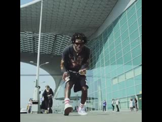 Saint jhn — «5 thousand singles» (live at the moscow airport)