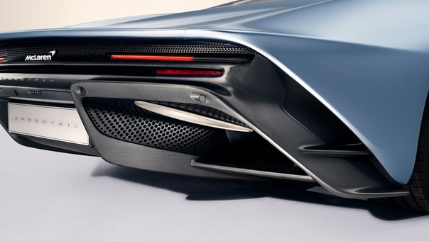 Гиперкар McLaren Speedtail «самолет без крыльев», использующий для езды настоящие элероны О новинке McLaren Automotive гиперкаре Speedtail приходится говорить только в превосходной степени. Это