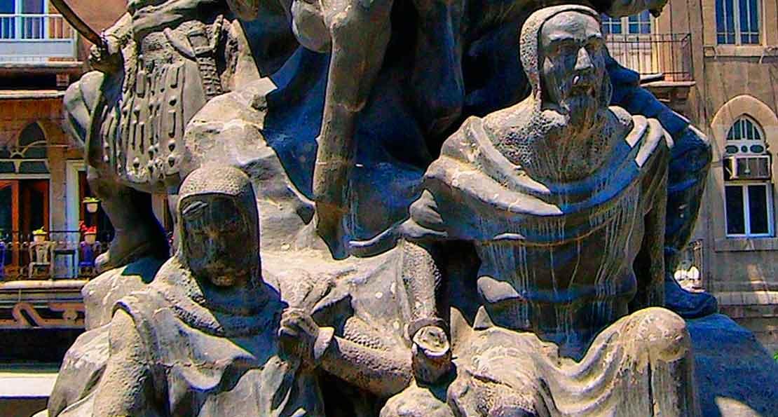 Рыцарь Рено на памятнике