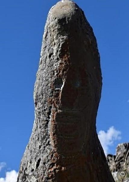 Странные человекообразные существа в горах Ингушетии ВИнгушетиипри обследовании труднодоступного архитектурного комплекса Мяшхи ученые нашли группу стел, три из которых привлекли особое