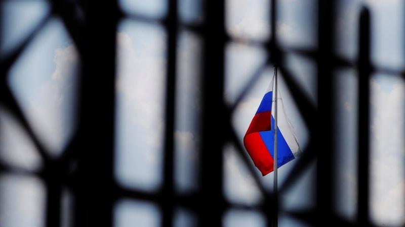 Нам следует отменить санкции против России — немецкий дипломат