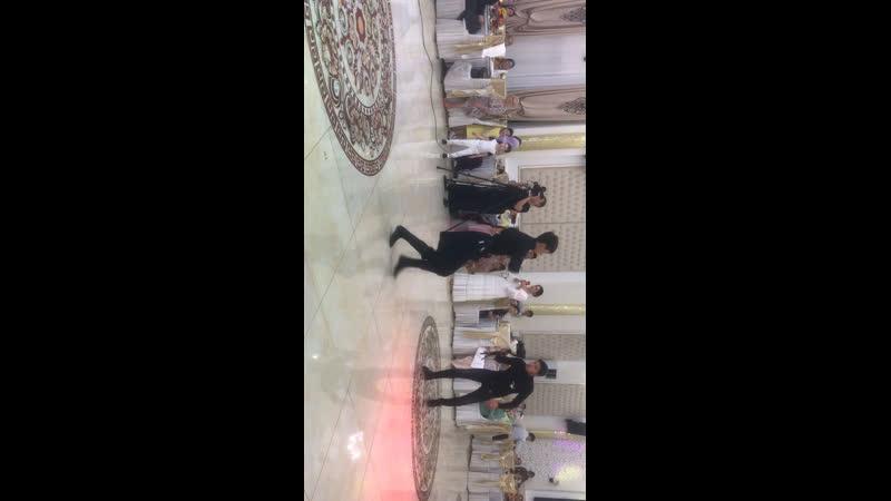 На чеченской свадьбе