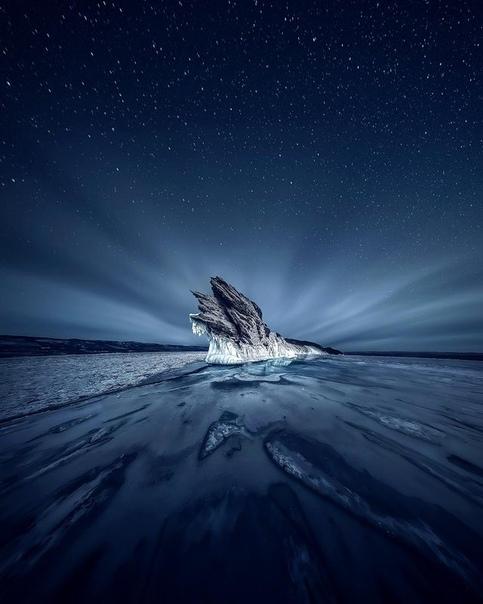 Байкал зимней ночью