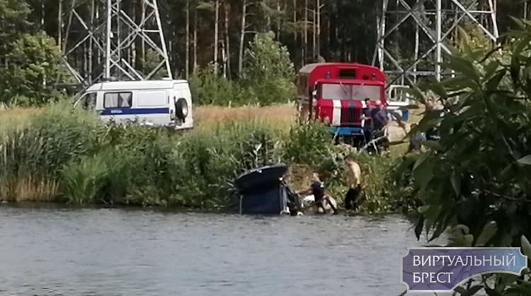 Тело третьего ребёнка обнаружено - погибли девочки 4 и 9 лет и мальчик 9 лет