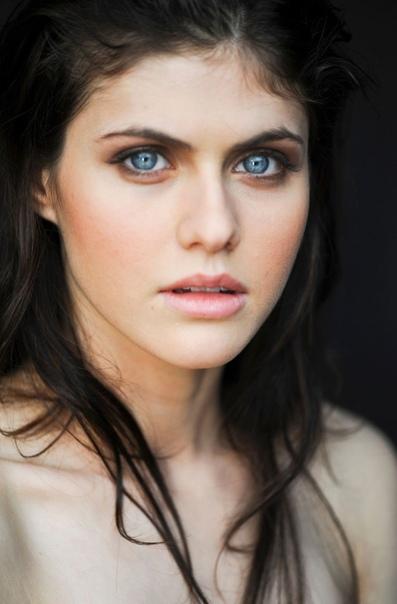 34 года исполняется актрисе Александре Даддарио! Женщине с самыми безумным глазами:)