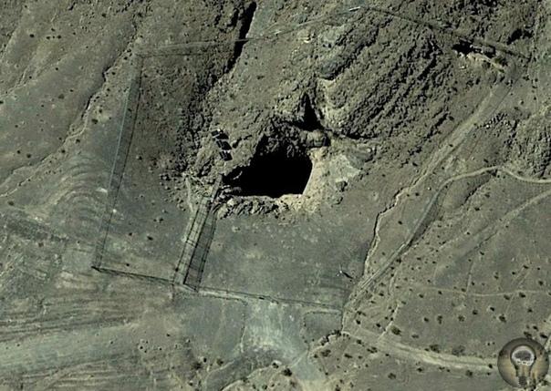 Тайны невадской «Дыры Дьявола» В пустыне штата Невада находится аномальная зона - Долина Смерти,в которой появляются НЛО, происходят странные необъяснимые явления. В этой местности