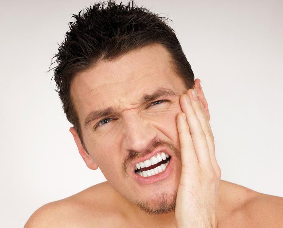 Стоматологическое обследование может помочь диагностировать причину зубного нерва.