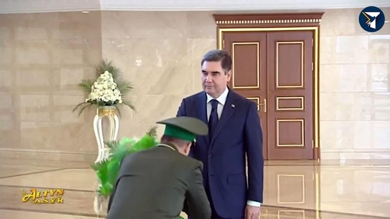 Президент Туркменистана встретился с главами силовых ведомств