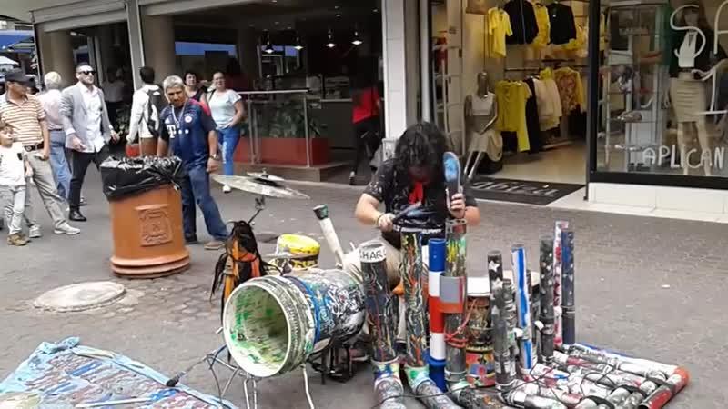 Electrónica callejera Costa Rica Pura Vida_HIGH