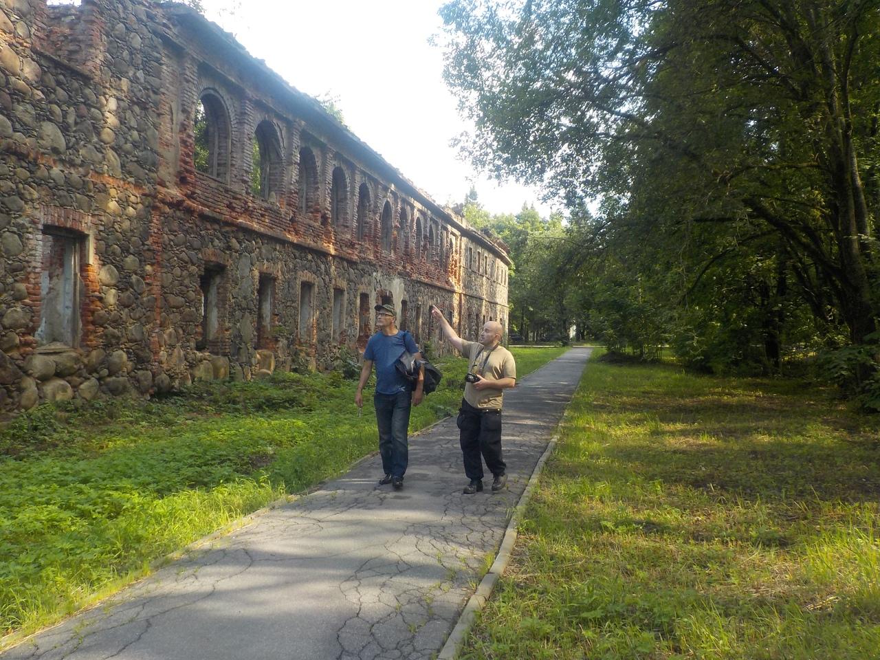Прогулка по Всеволожску. Развалины усадьбы Рябово. Красный замок.