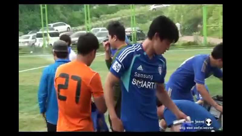 2013.06.23 Kim hyun joong 송파구립구장 경기후 휴식시간