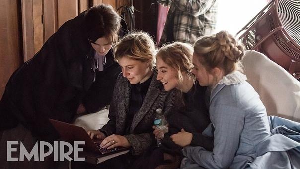 Грета Гервиг с тремя звёздочками «Маленьких женщин» на съёмках очередной экранизации классического произведения