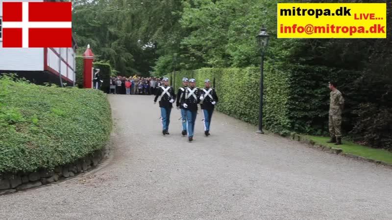Dronning_Margrethe_og_Prinsesse_Benedikte_fik_blomster_i_Gråsten.mp4