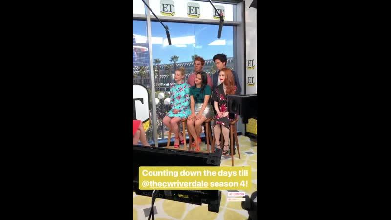 20 июля Камила и каст сериала Ривердейл в студии Entertainment Tonight в рамах фестиваля Comic Con