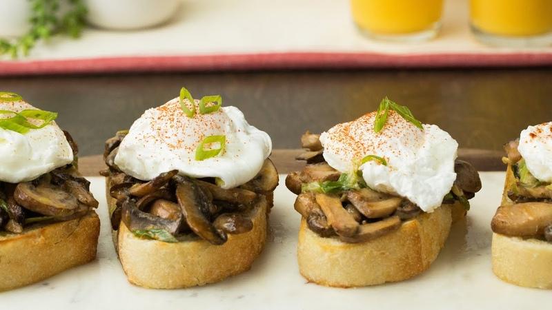 Creamy Mushroom Toasts