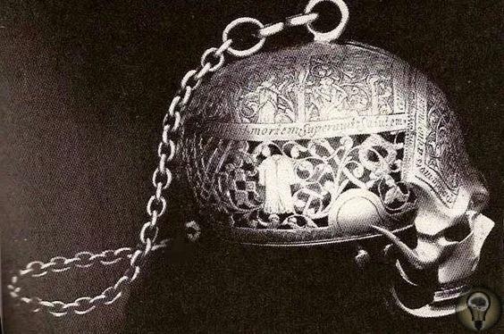 Драгоценности Марии Стюарт Многие драгоценности и украшения Марии Стюарт были утрачены.Часть своих богатств она продала для финансирования своего возвращения на трон Шотландии, большая часть