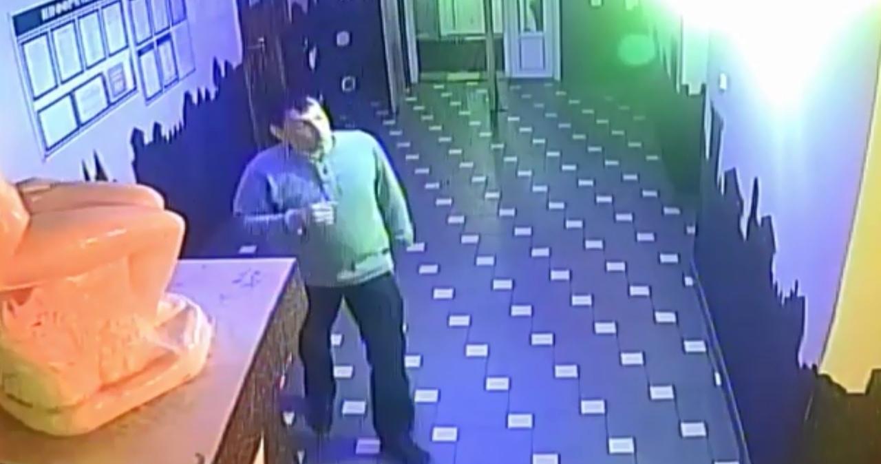 Устанавливаются личности двоих мужчин из кафе «Лунный свет»