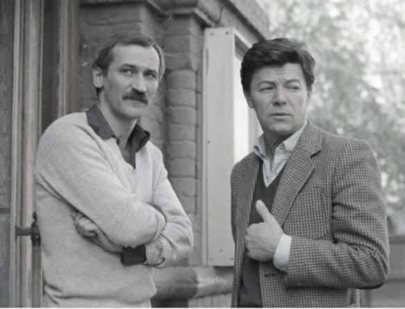 Весьма редкое фото Леонид Филатов и Александр Збруев... А в каком фильме они снимались вместе .Спасибо за и