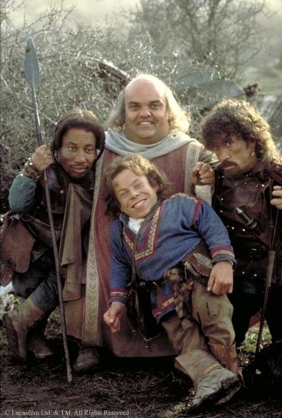 Willow несостоявшаяся трилогия Джоджа Лукаса Фильм 1988-го года «Уиллоу» Рона Говарда и Джорджа Лукаса « это симпатичная толкиновская фэнтези. Симпатичная и оптимистичная, основанная на всех