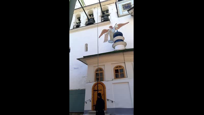 Псково Печорский монастырь колокольный звон