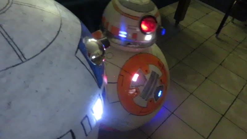 R2 D2 and BB8 By Aldo Rodrigo Sanchez Tovar