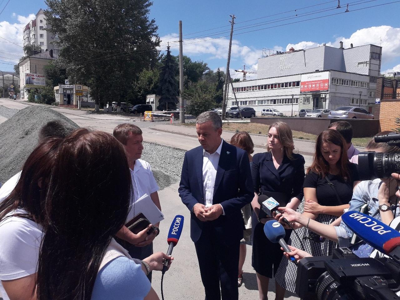 В Курске появится дирекция парков. Мэр Виктор Карамышев проехался по проблемным местам города
