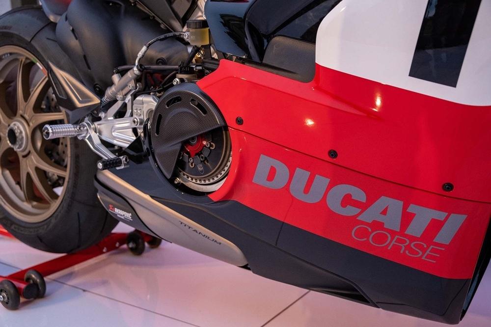 Фотографии Ducati Panigale V4 25° Anniversario 916
