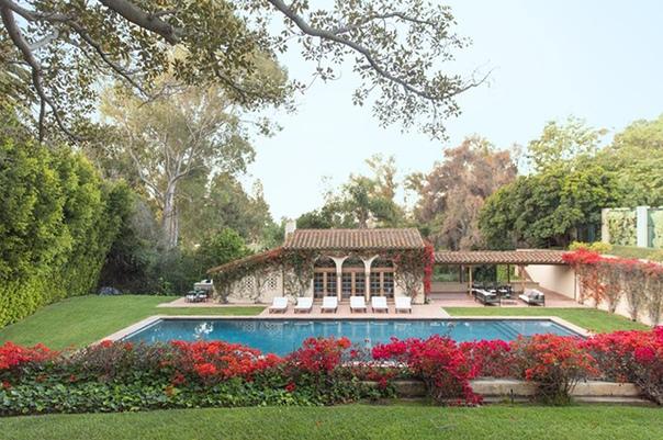 Любимый особняк Мэрилин Монро выставлен на продажу за 115 миллионов долларов Знаменитый дом, в котором Мэрилин Монро когда-то часто бывала, ищет нового хозяина! Стало известно, что особняк общей