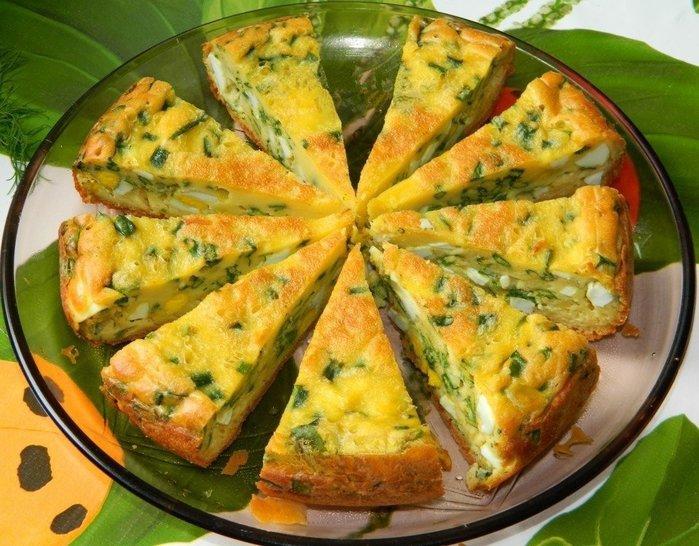 Вкуснейший пирог с яйцами и зеленым луком в мультиварке.